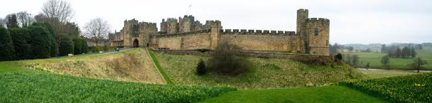 041a-alnwick_castle_Panorama-th.jpg
