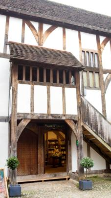 016b-tudor_house1_Panorama-th.jpg