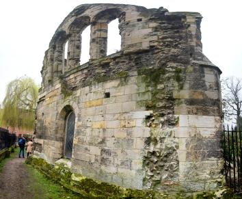 016c-york_ruins1_Panorama-th.jpg