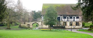 021-york_abbey_ruins2_Panorama-th.jpg
